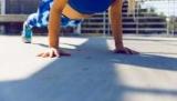 Как научиться отжиматься и что важно при выполнении упражнения: советы для новичков